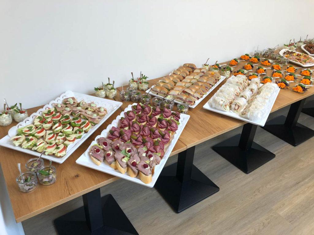 Buffet für Trauerfeier im Trauercafé in Hannover