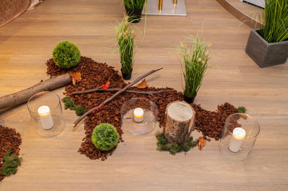 Dekoration aus dem Wald für Trauerfeier mit Waldbestattung in Hannover